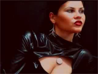 cruelintention wears leather lingerie on liveshow