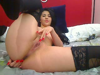 cleo shows off her perfect body on cam